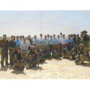 dr kazmir and israeli leaders with israeli soldiers